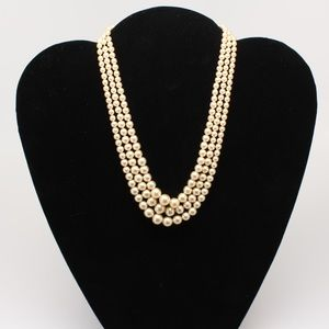 Jewelry - Vintage pearl set